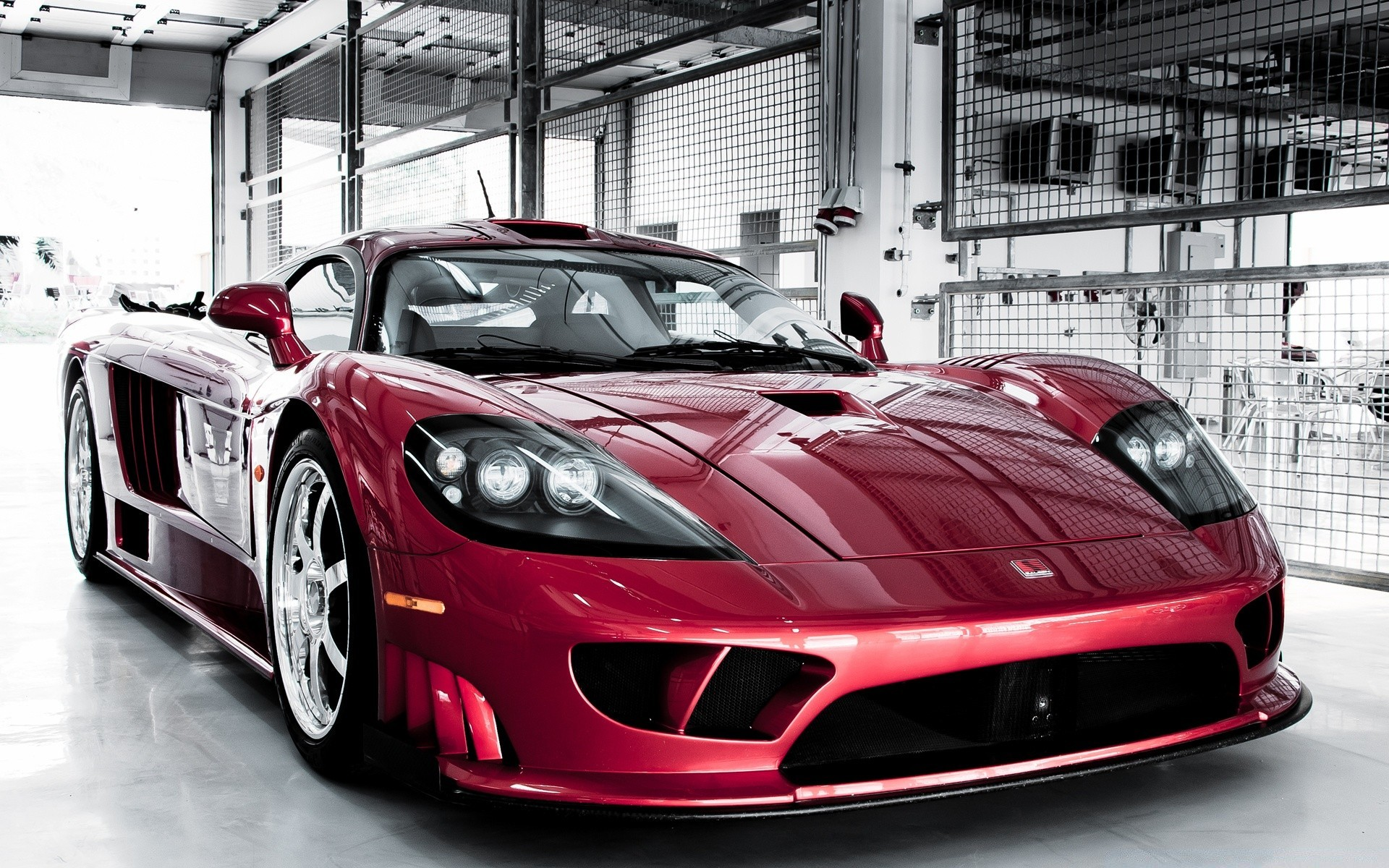 Saleen S7 Twin Turbo красный