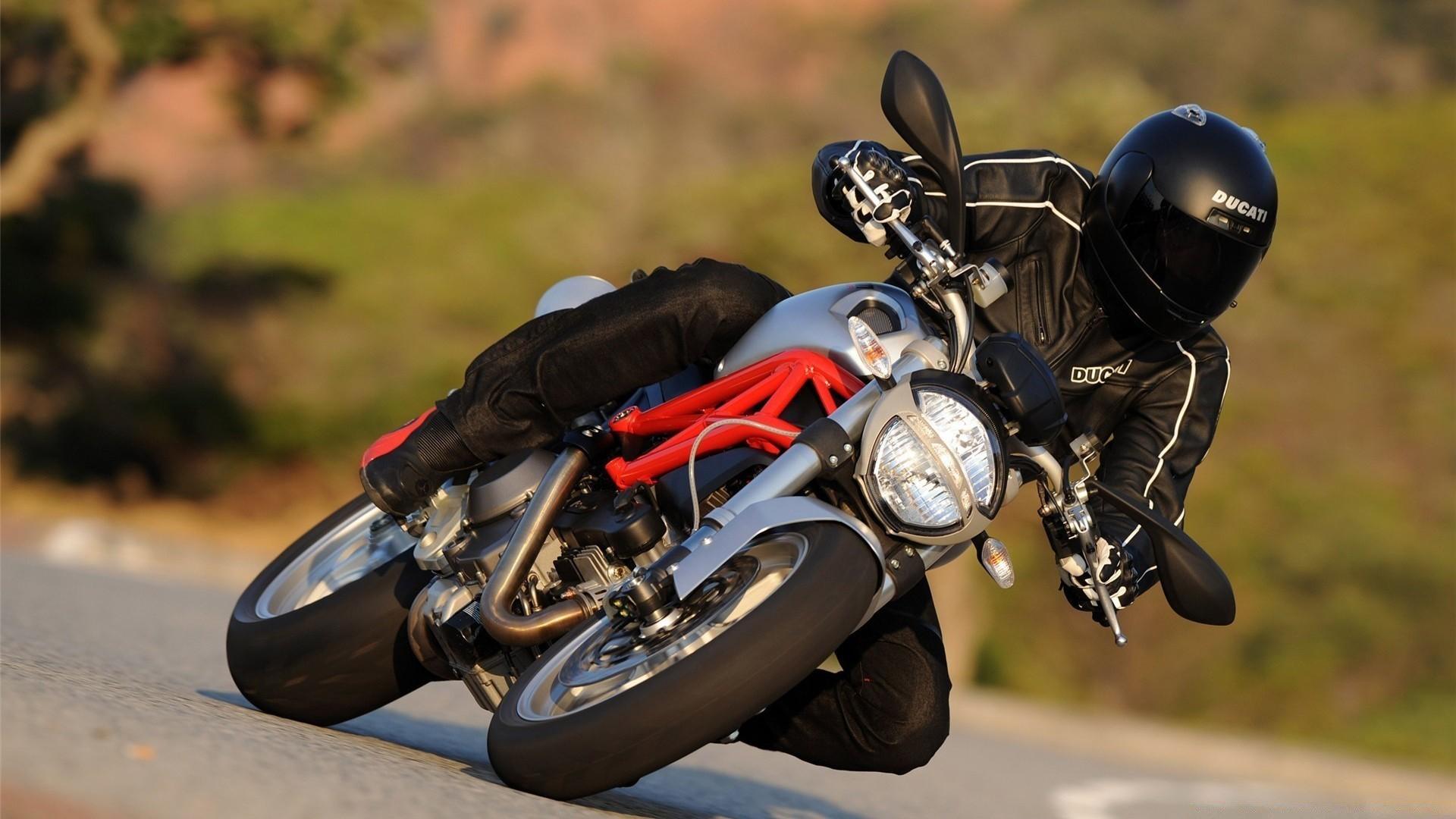 мотоцикл Ducati дорога загрузить