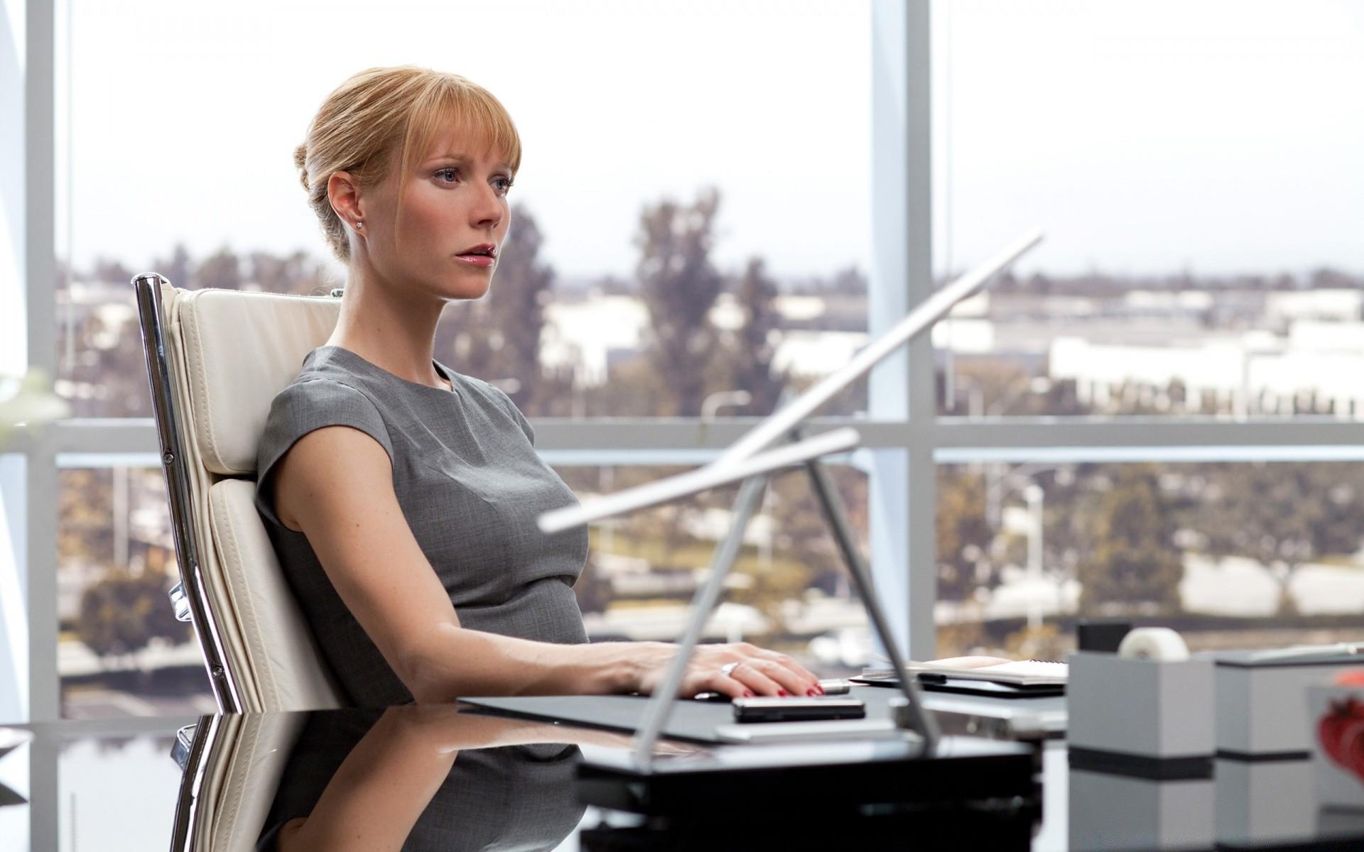 удивительно, фотографии гвинет пэлтроу на рабочий стол моста практически