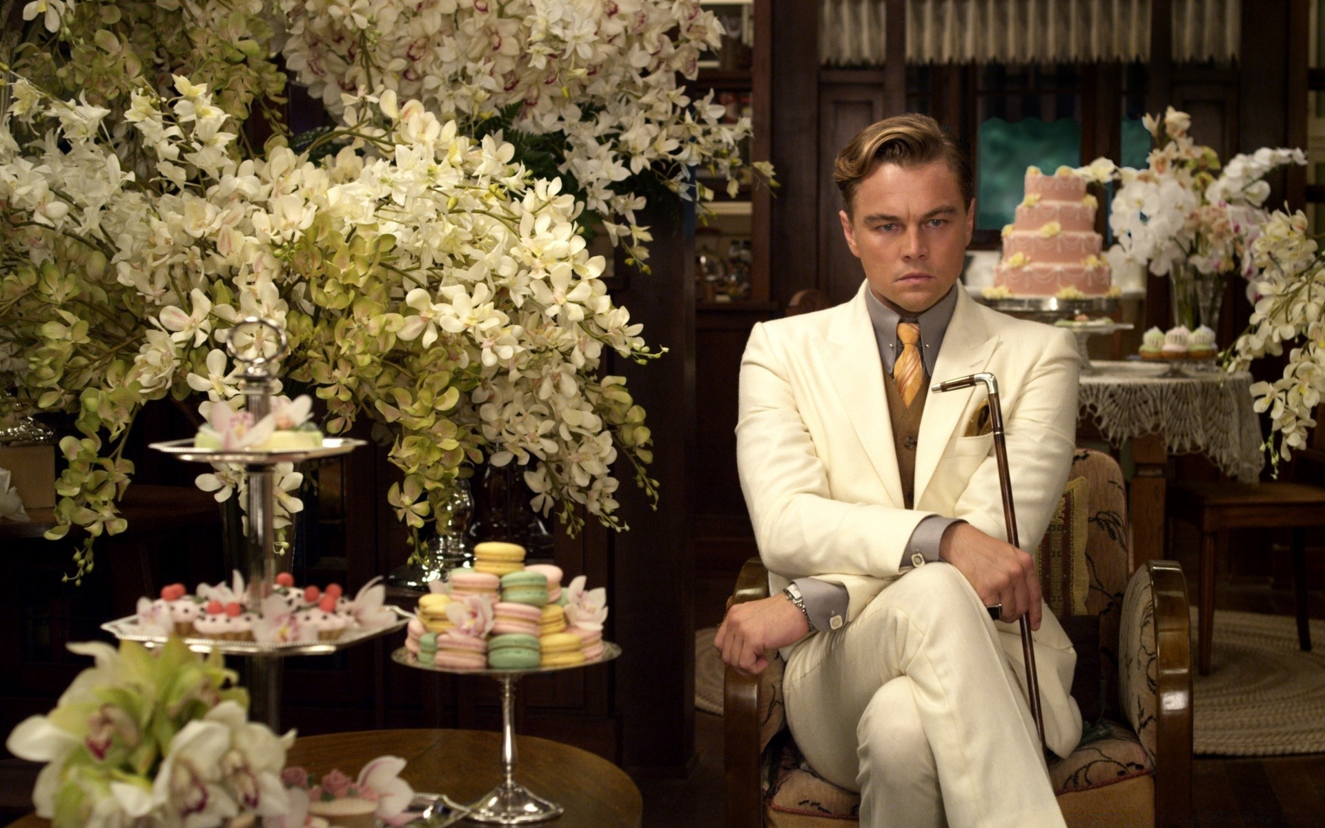 jay gatsbys material possessions ultimately do not help him achieve his dream in the great gatsby by