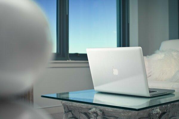 Ноутбук стол apple macbook pro retina окно