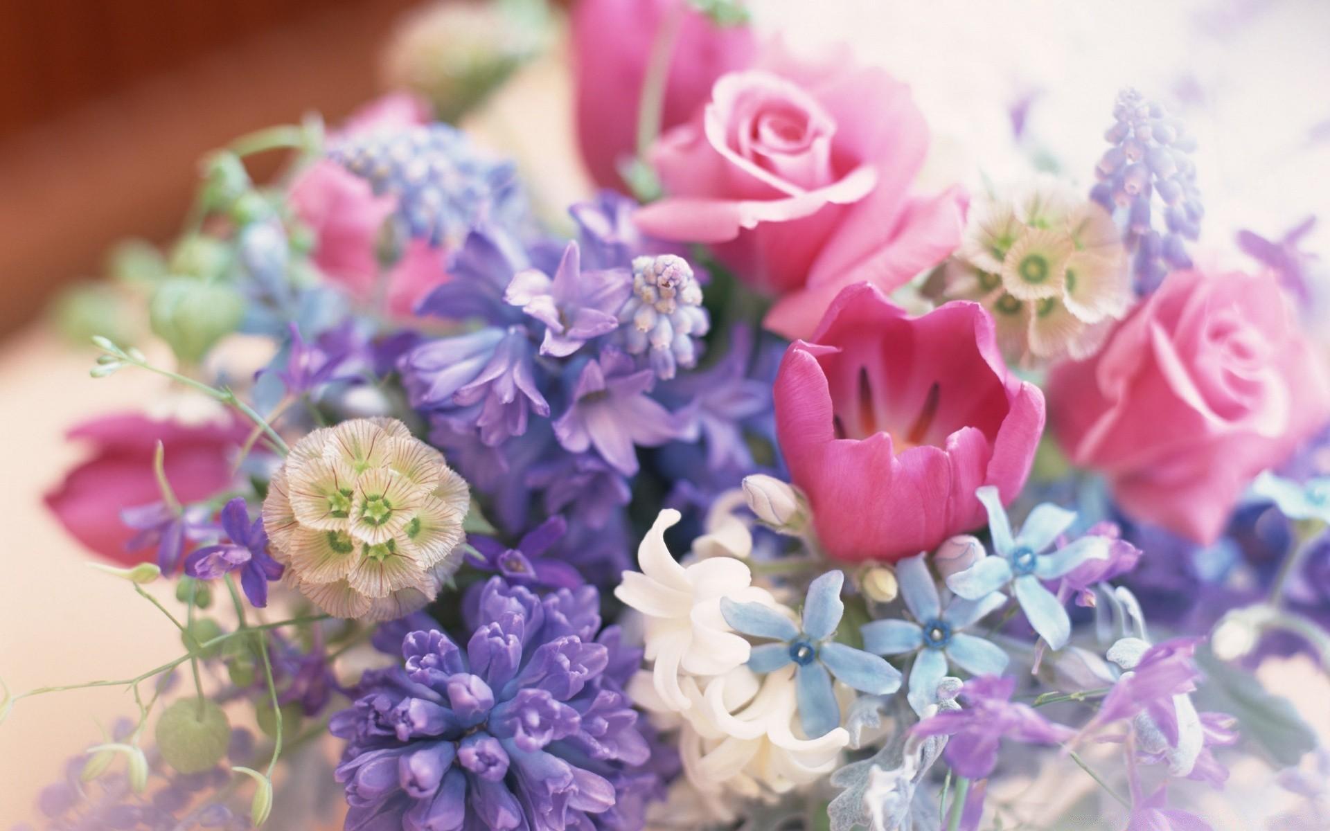 Поздравление женщине картинка цветы