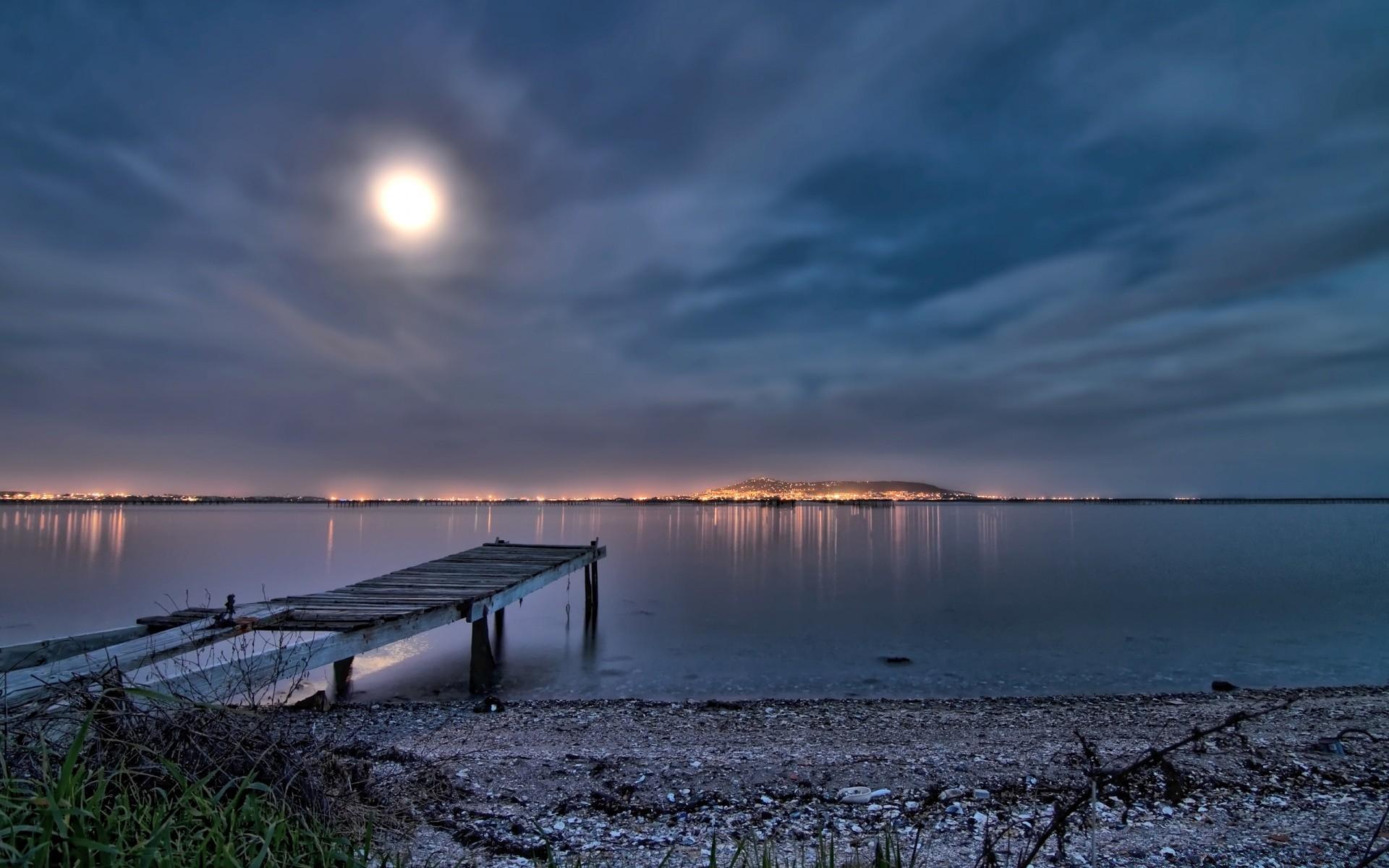 Обои вечернее небо, замок, пруд. Города foto 15