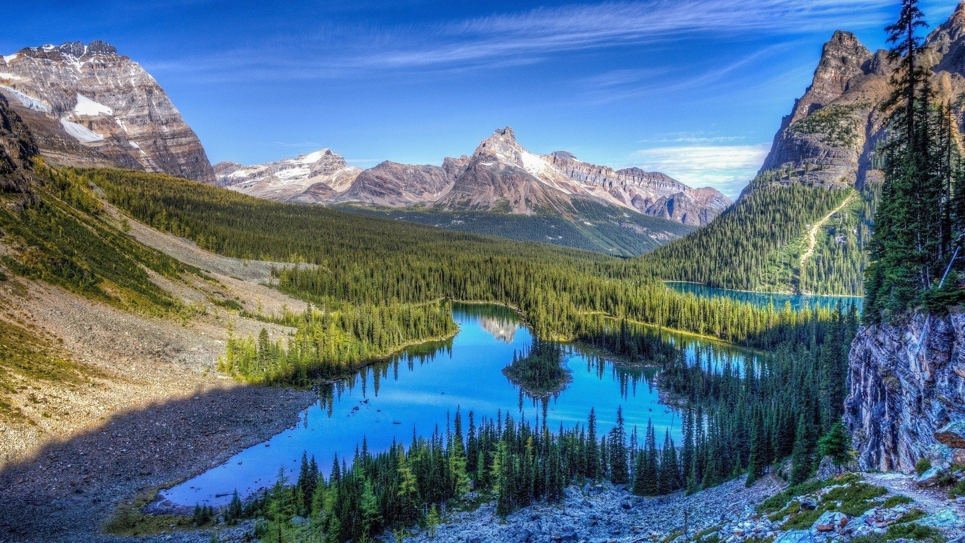 природа трава река горы скалы облака nature grass river mountains rock clouds  № 1222882 без смс