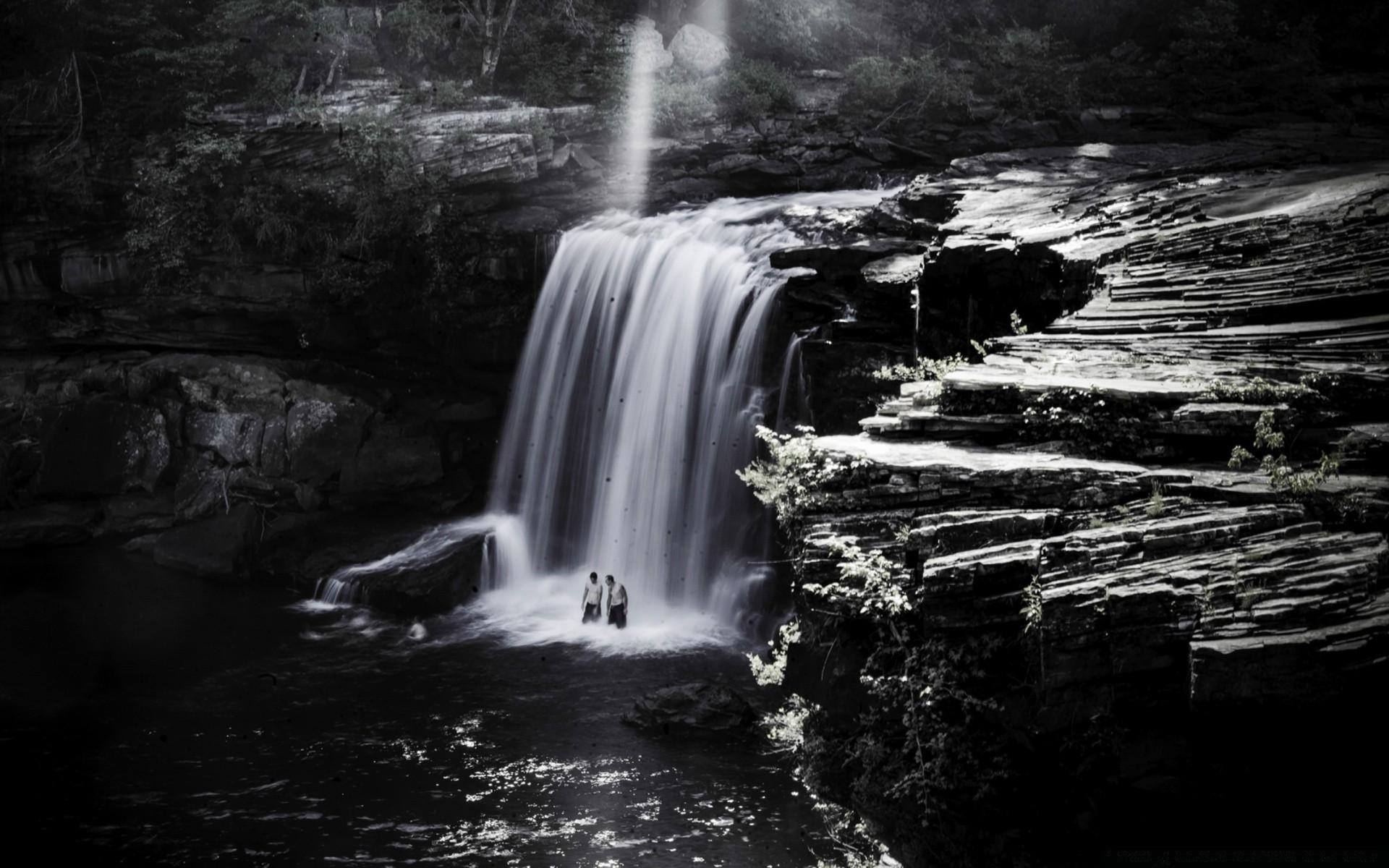 Обои на телефон с водопадом на айфон