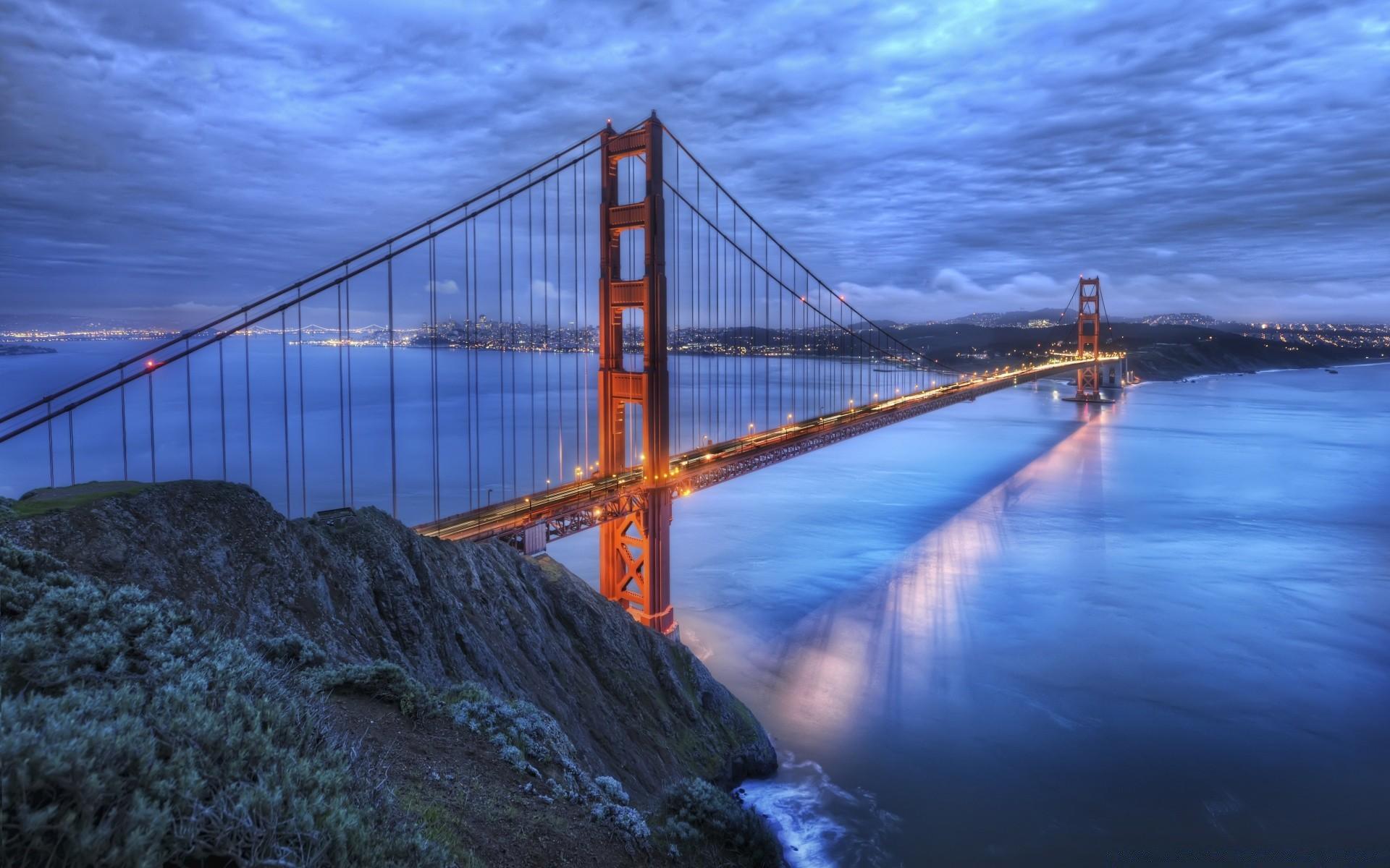 Картинки на мосту