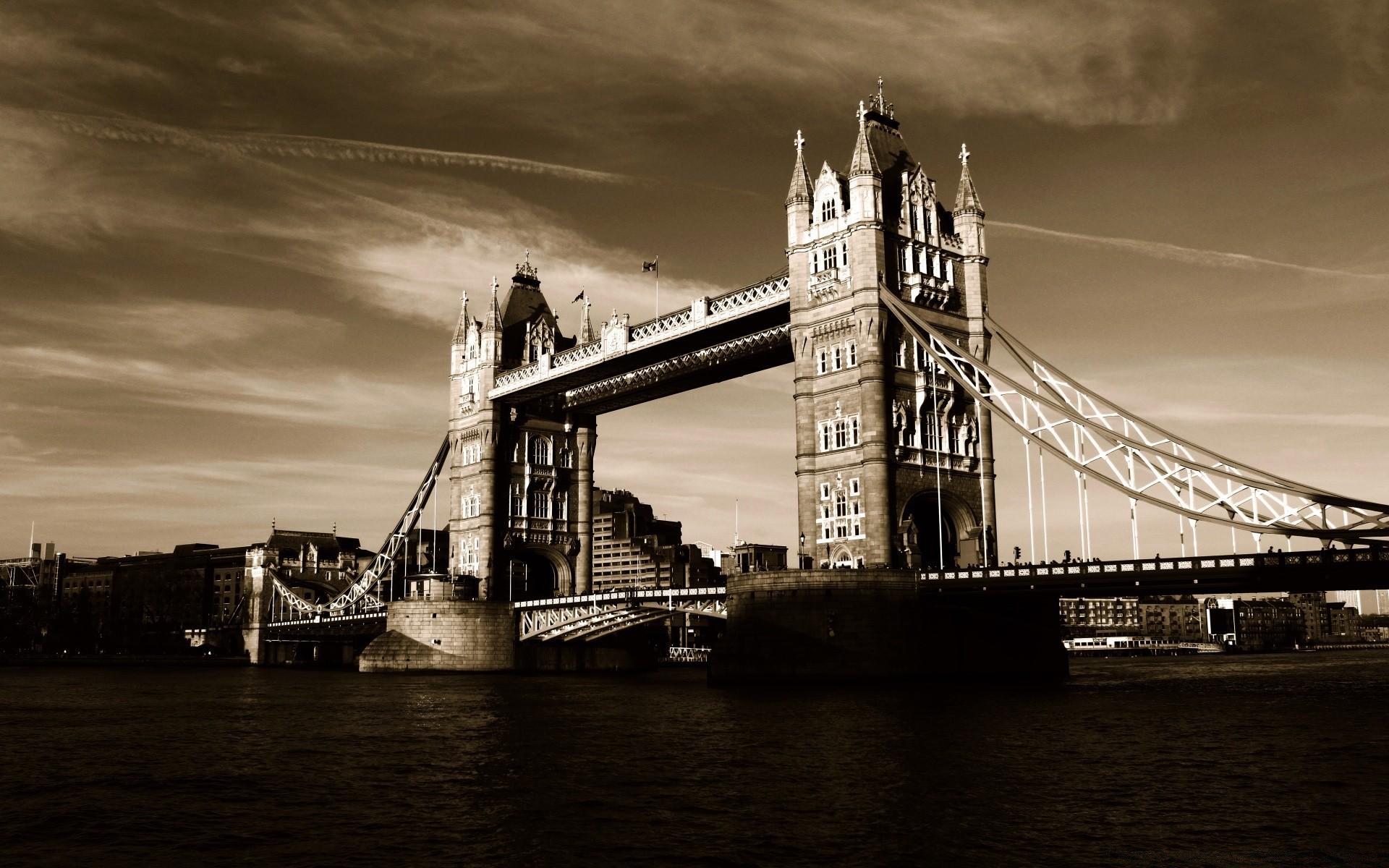 конструкции выдерживают картинки на рабочий стол лондон черно белые мосс