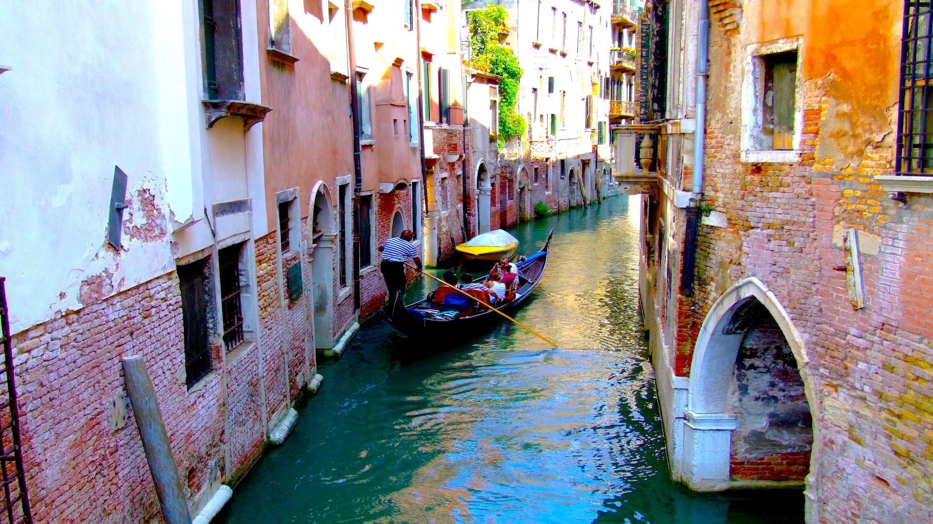 Обои канал, лодки, венеция, мосты, дома, улицы. Города foto 12